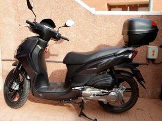 Motocicleta marca SYM mod SYMPHONY 125CC