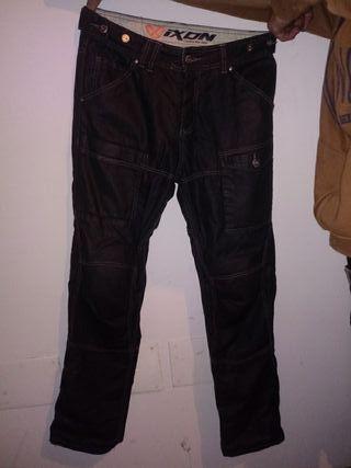 pantalones de moto