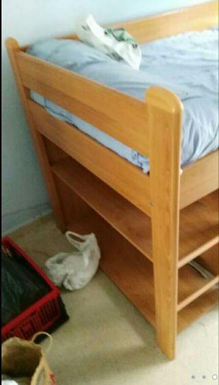 litera de 1 cama y 1 cama de madera