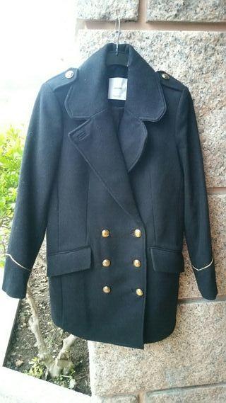 abrigo negro de mango
