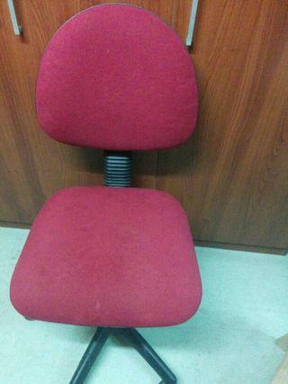 Silla oficina muy comoda de segunda mano por 8 en for Sillas de oficina comodas