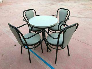 sillas y mesas juegos