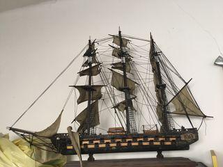 barco de maqueta antiguo