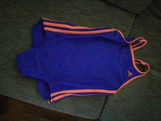 Bañador natación niña. Adidas. Talla 10