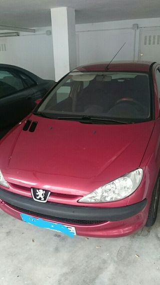 Peugeot 206. 1400Hdi año 2002