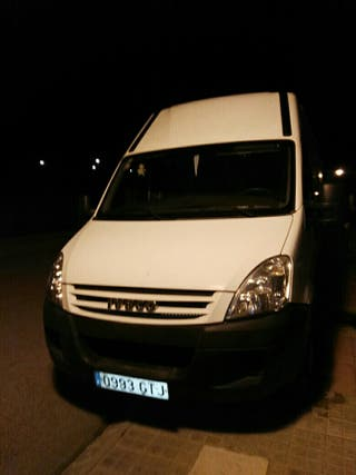 Iveco 35S14 2010, furgoneta isotermo, en muy buen