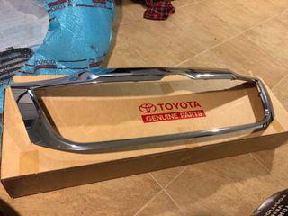 Toyota Hilux moldura