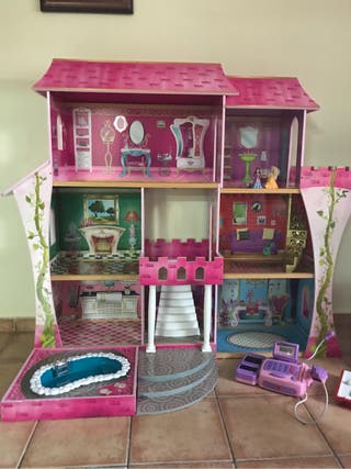 Dolls house for sale  UK