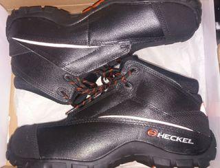 botas piel y acero 44