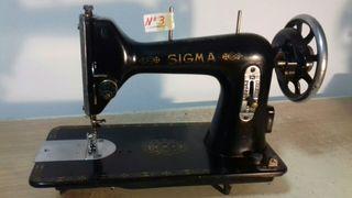 Maquina de coser Sigma negra