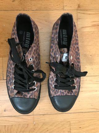 Zapatillas mujer mustang SIN ESTRENAR