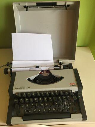 Máquina de escribir AEG