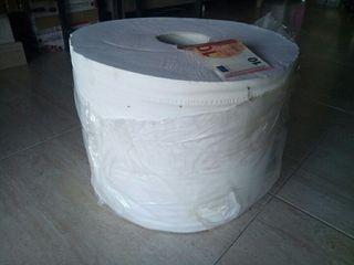 Rollo de papel gigante