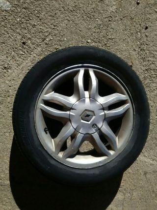 """15"""" Rueda Renault Clio /// (2005-2012)"""