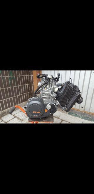motor ktm 690 en perfecto estado 3000km
