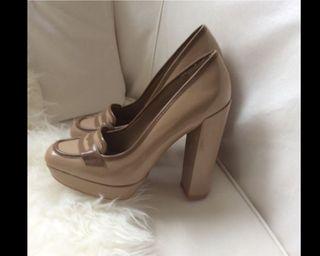 Zapato mocasin charol