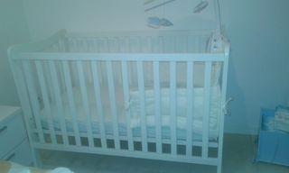lit bébé et matelas
