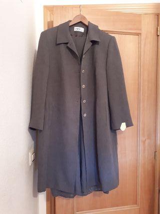 vestido con abrigo