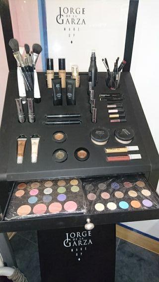 Expositor de maquillaje Jorge de la Garza