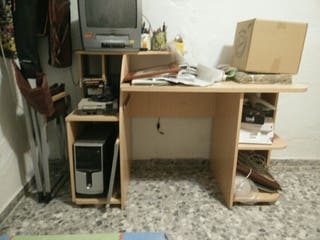 mesa escritorio,despacho..ordenador