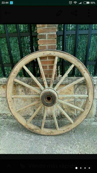Antigua rueda de Galera o Carro