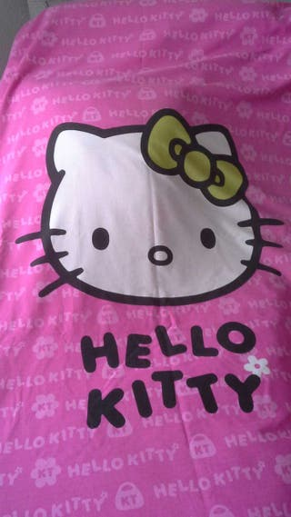 Funda nordica,reloj y alfombra kitty