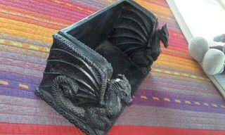 Portalibros/DVD Black Dragons