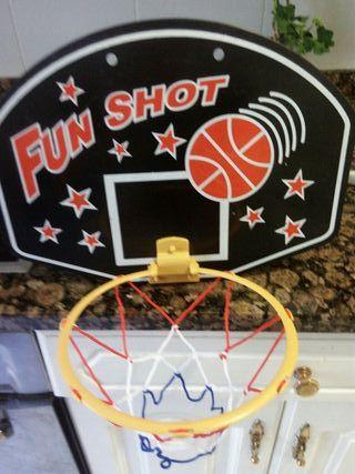 canasta de juguete baloncesto