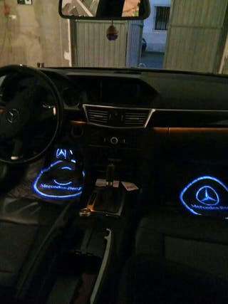 luces led logotipo mercedes para interior