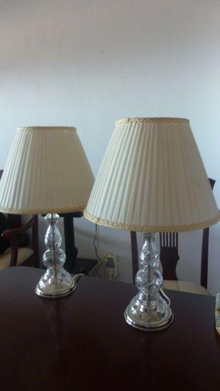 Lámparas de mesa en cristal.