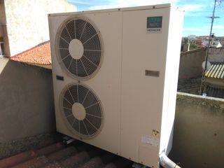 Aire acondicionado hitachi 85 m2