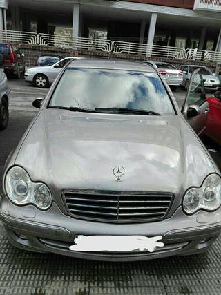 Mercedes-Benz C240 2004