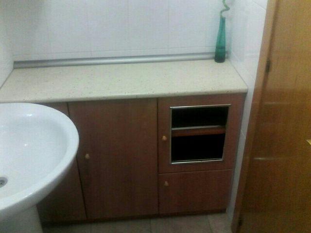 Muebles ba o de segunda mano por 100 en alcal de henares en wallapop - Mueble encima wc ...