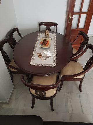 Mesa,sillas y aparador