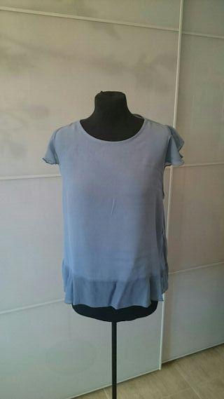 Camiseta con abertura trasera