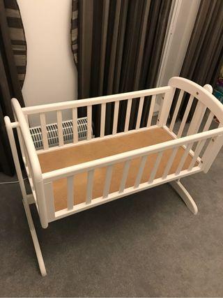 Swinging crib, white