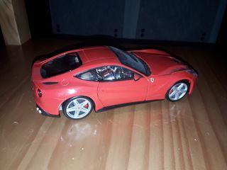Maqueta de coche Ferrari F12 Berlinetta