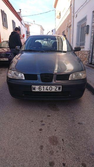 SEAT Ibiza año 2.000