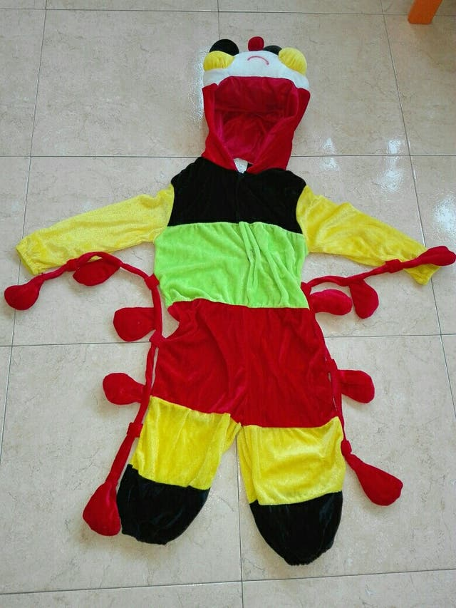 Disfraz de gusano - oruga. Talla 3-4