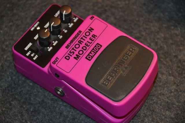 Distorion Modeler DM100 pedal/stompbox guitarra