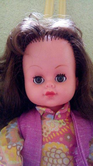 Antigua muñeca de los 70