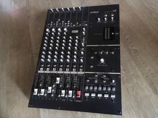 Mesa Mezclas/Interfaz de Audio Yamaha N8