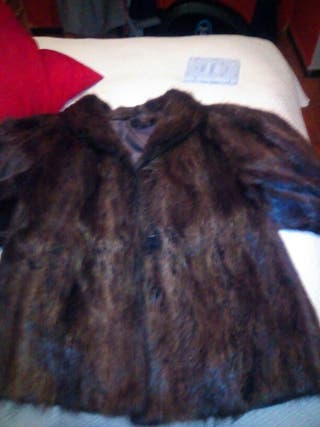 Abrigo piel de nutria.