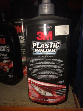 Abrillantador plásticos coche