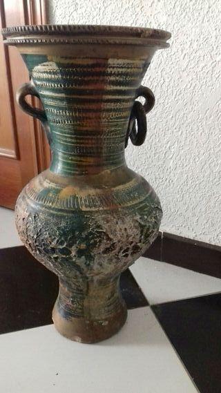 jarron florero antiguo hecho y pintado a mano