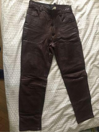 Pantalones de piel