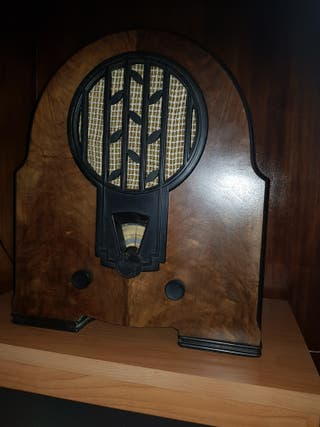 Radio antigua Philips 634 A
