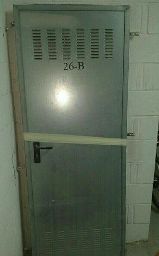 puerta trastero