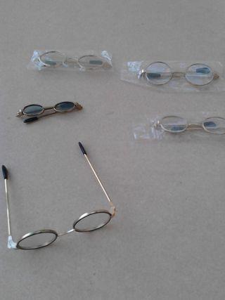 gafas de muñecas