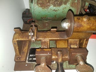antigua maquina de hacer llaves